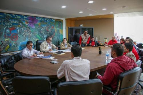 PDVSA president, Eulogio Del Pino, leads a meeting to